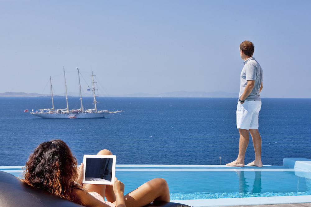 4 Reasons why we Love one of the best 5 Star Hotels in Mykonos!