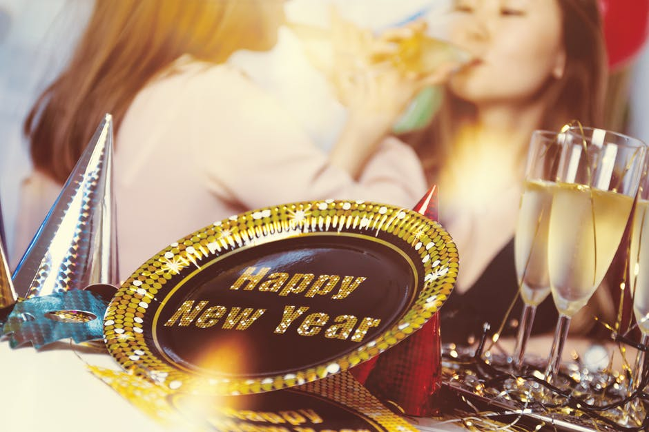 Tips and ideas on how to organize the best New Year's Eve party!