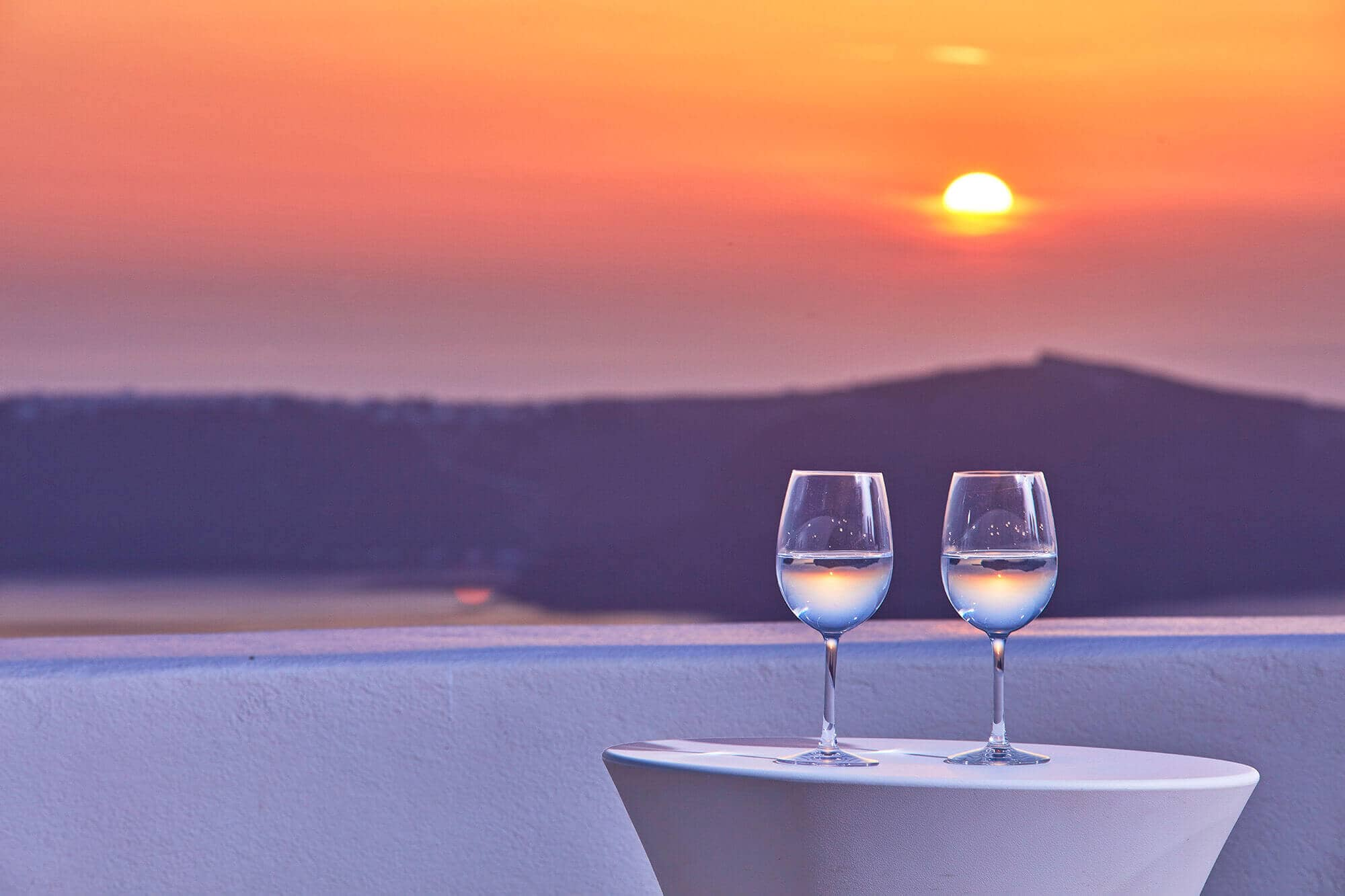 How to Spend 48 Hours in Santorini as a couple!