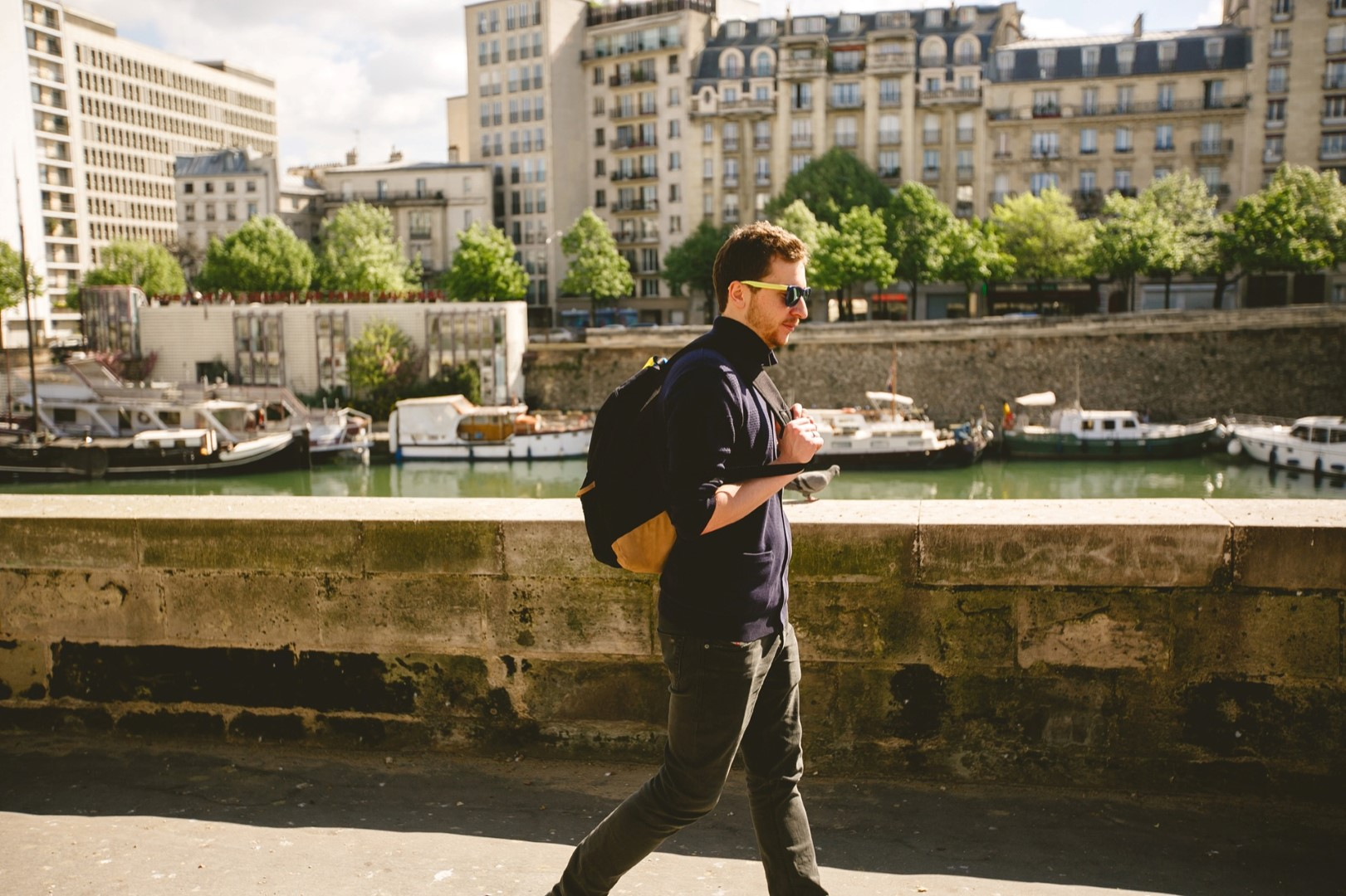 A Gay-friendly Hotel in Paris guides us to the city's vivid gay life!