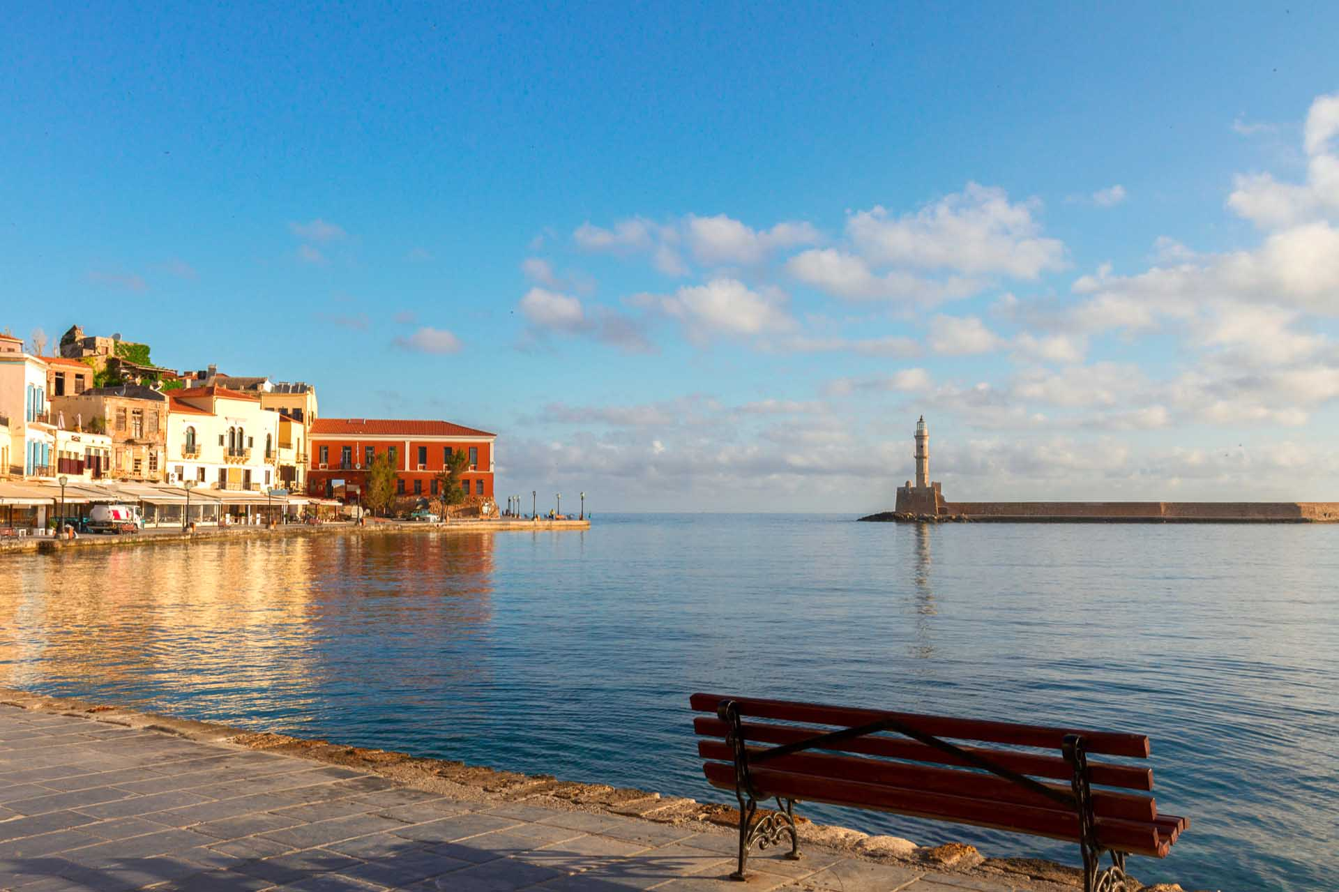 The top things to do around the old venetian Harbour in Chania!