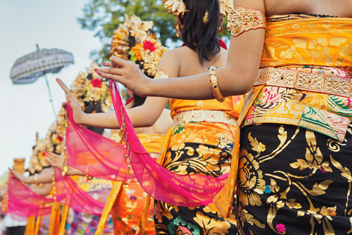 Charming photos of Traditional Balinese Dancers!