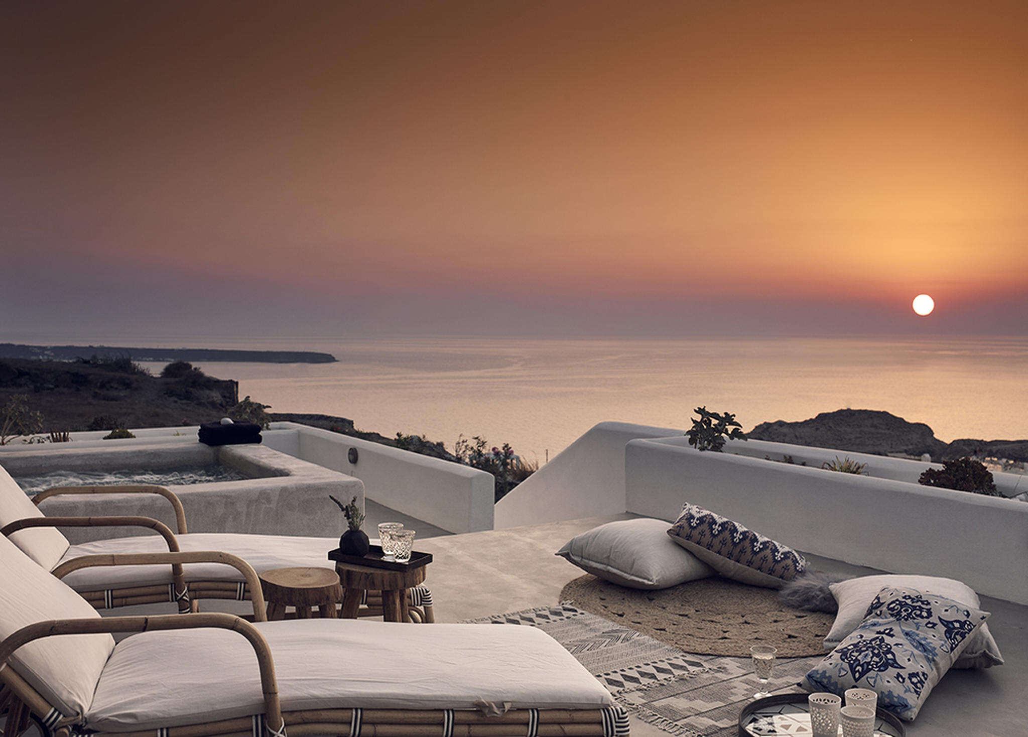 Uncovering one of the best places to stay in Oia, Santorini