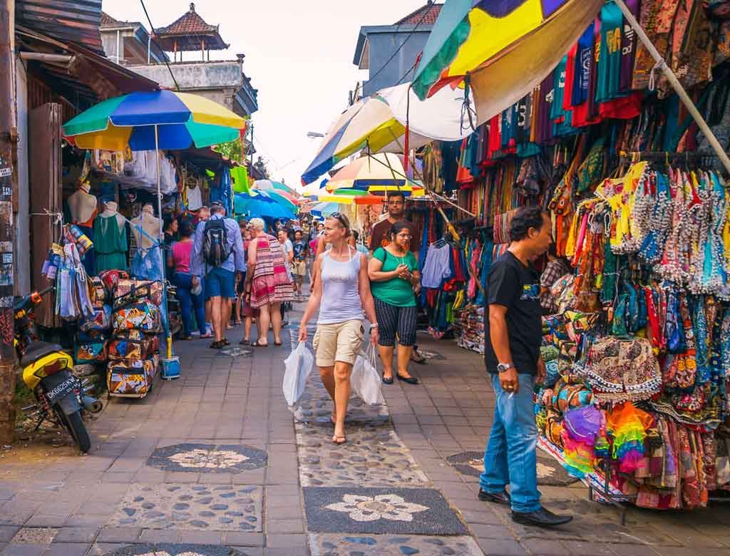 Exploring Ubud Art Market & other Things to do nearby!