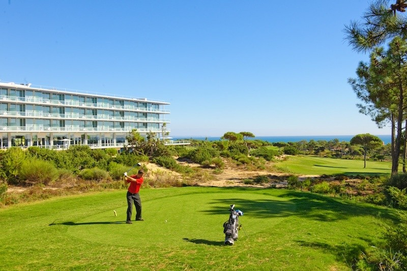 Portugal found in the center of attention for Golf Lovers and Villa seekers