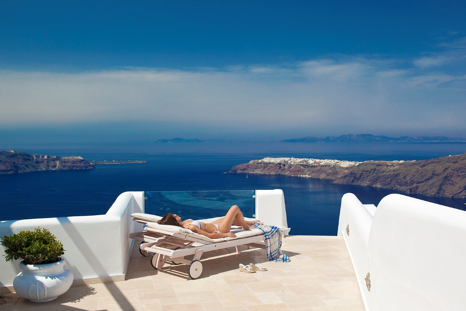 """An unforgettable hotel experience above the Santorinian """"Blue""""!"""