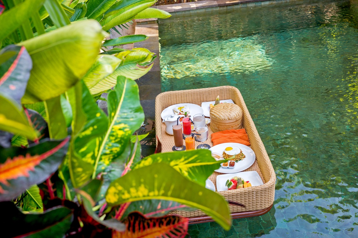 5 Resorts to try Floating Breakfast in Bali | The 2020 Edition