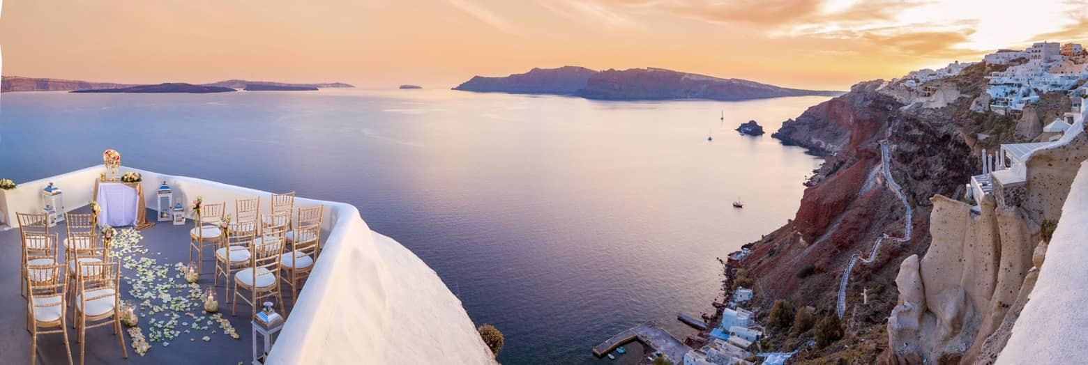 """Say """"I Do"""" in one of the top luxury hotels for wedding in Santorini!"""