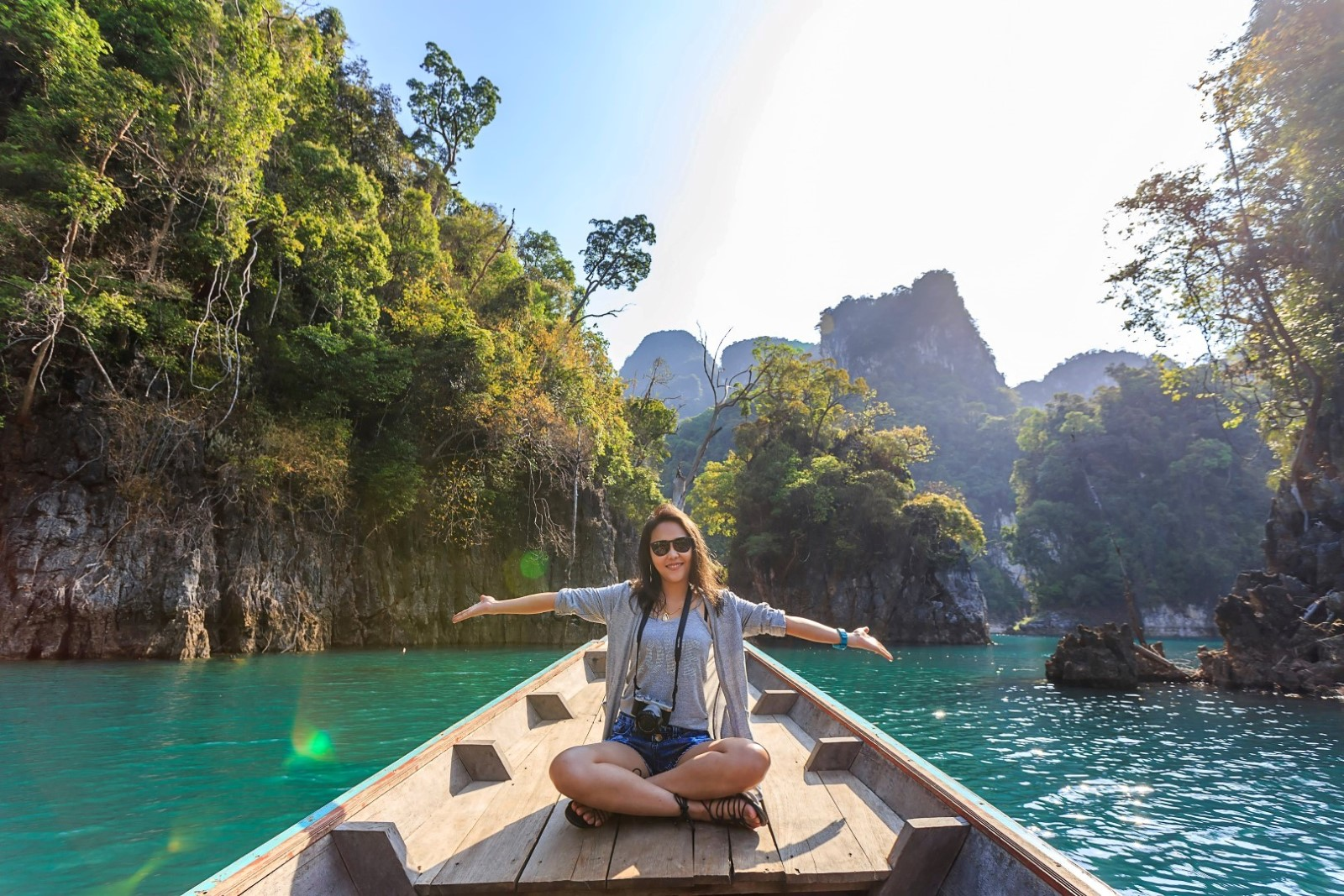 Top 7 Packing List Items for Female Travelers