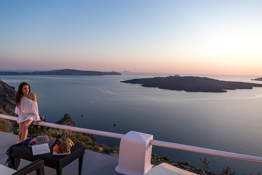 Five luxury suites on the Santorini Caldera that will steal your heart away