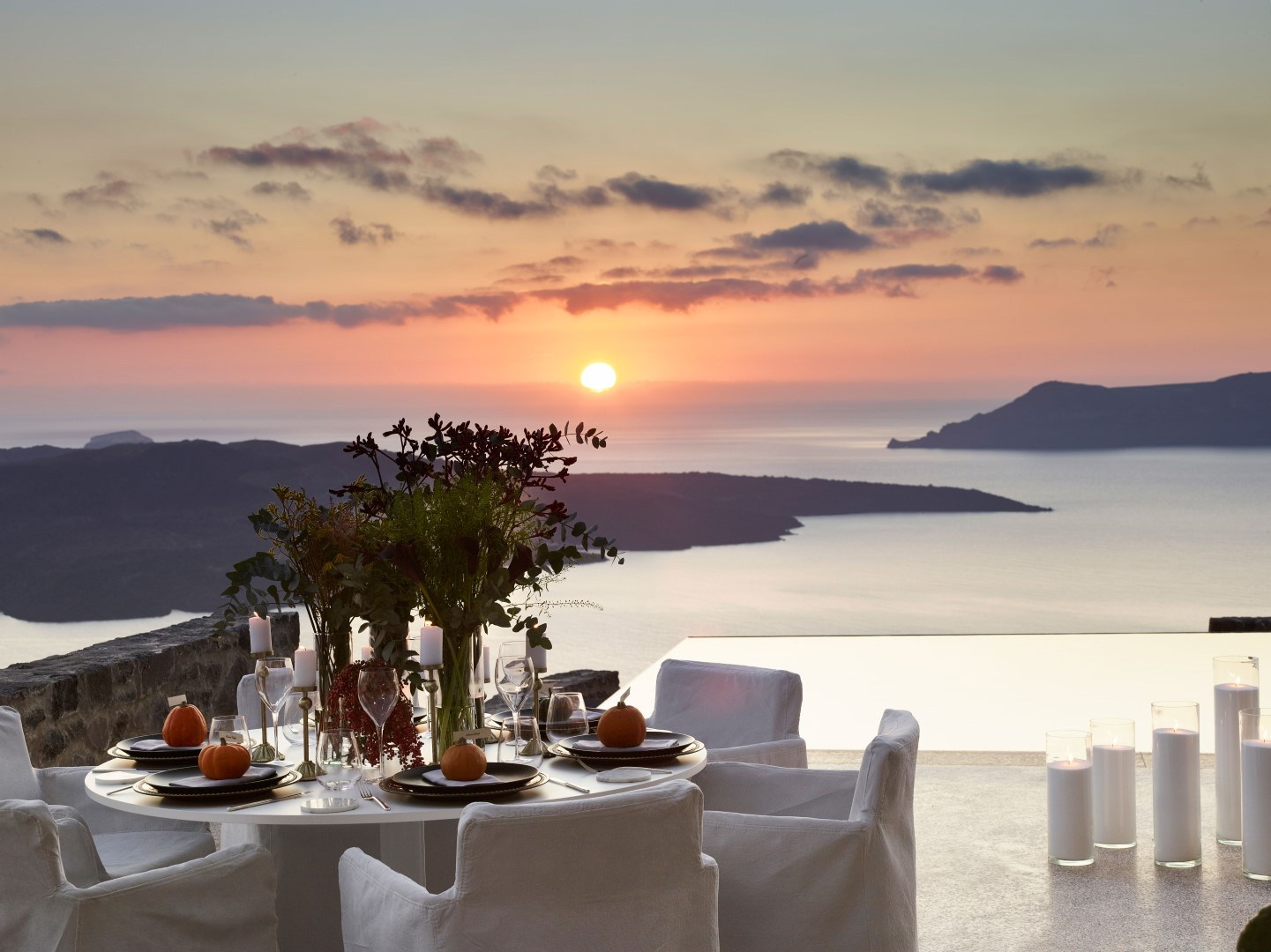 A Luxury Hotel in Santorini that hosts spectacular weddings against the backdrop of Caldera
