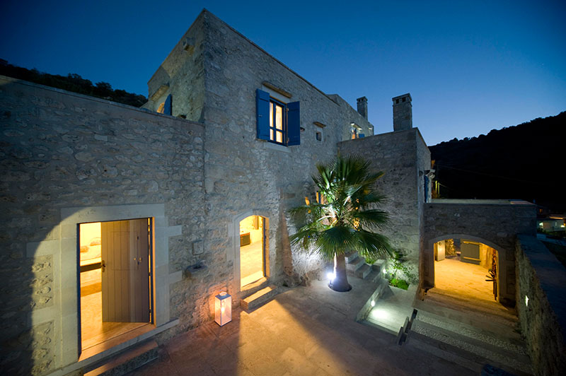 An all-year round Luxury & Traditional Gay Experience in Crete