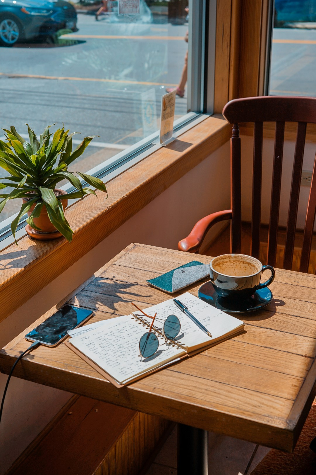 5 Ideas For Crafting An Engaging Travel Journal