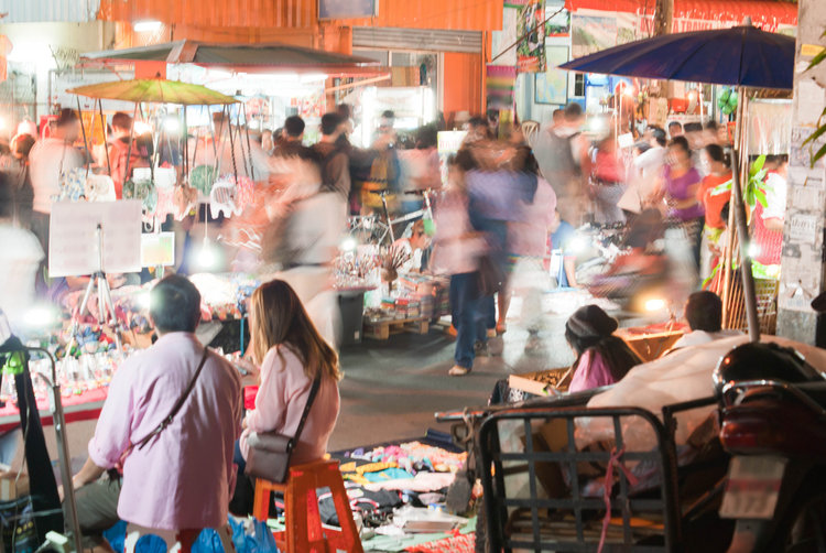 Bangkok by night! Explore the the city's nightlife through these fascinating photos!