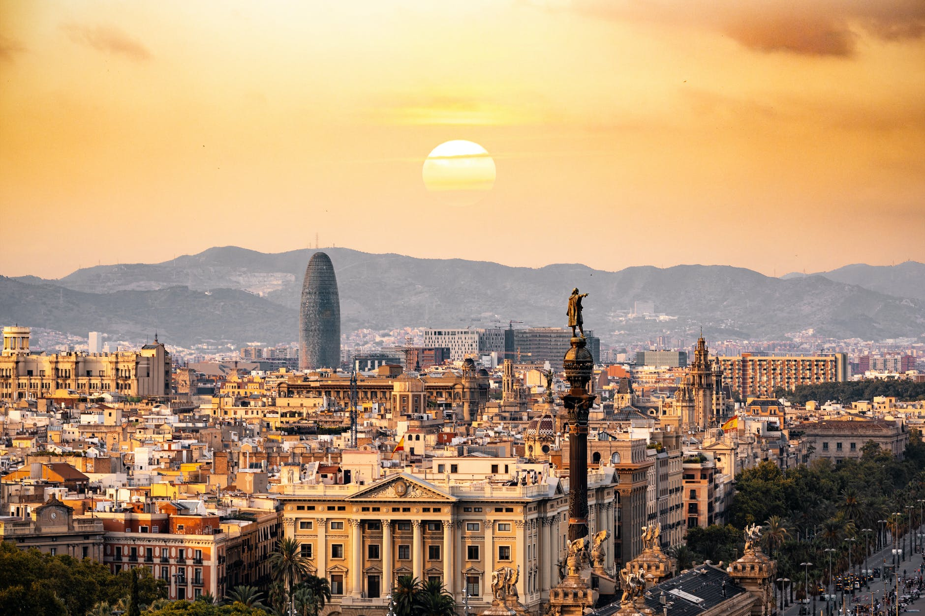 6 Reasons Spain Should Be on Your Travel Bucket List