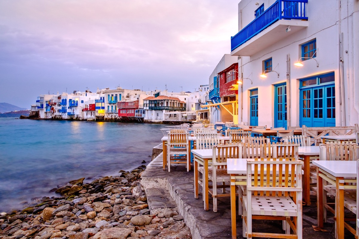 Cosmopolitan Greek islands with better prices in September