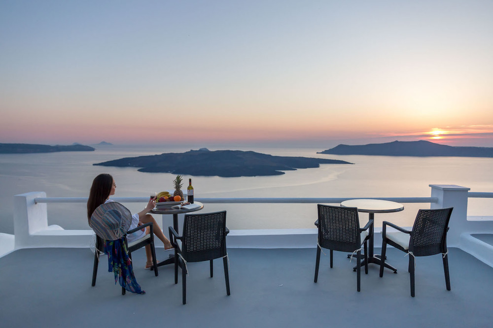 3 Stunning Santorini suites with unobstructed views!