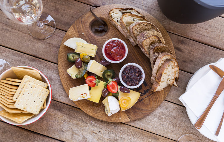 Traditional Swiss Dishes that will introduce you to the Swiss Food Culture!