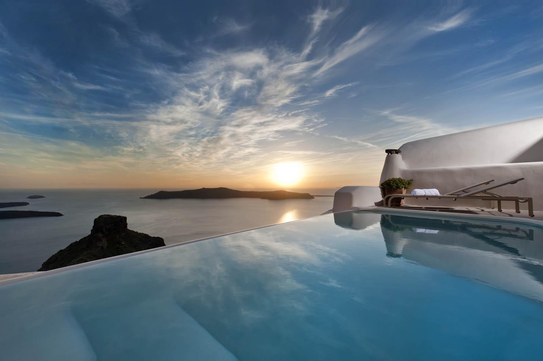 A stunning Santorini Honeymoon Suite whose Cycladic Style charmed us!