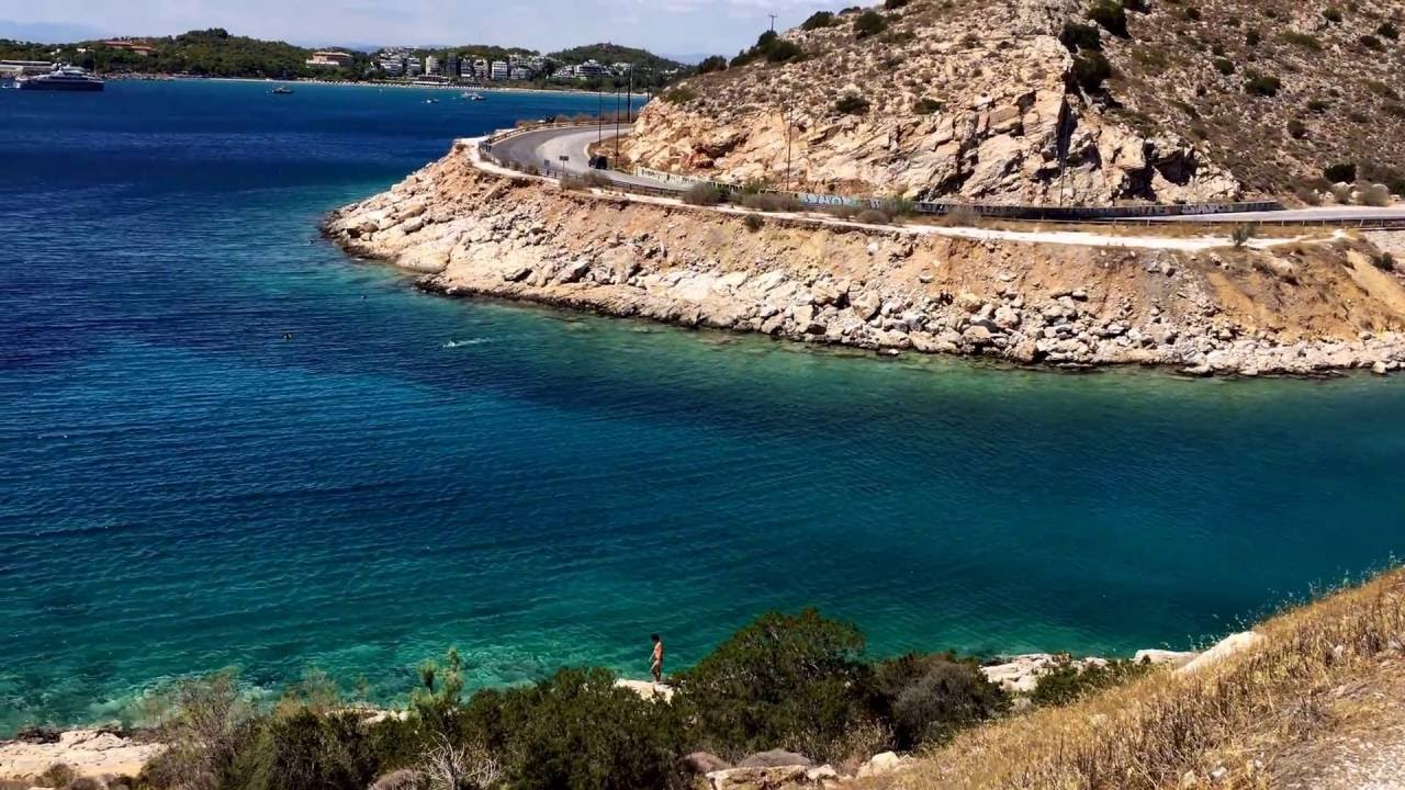 Limanakia: the most famous gay beach in Athens and a popular attraction for gay men in holidays!
